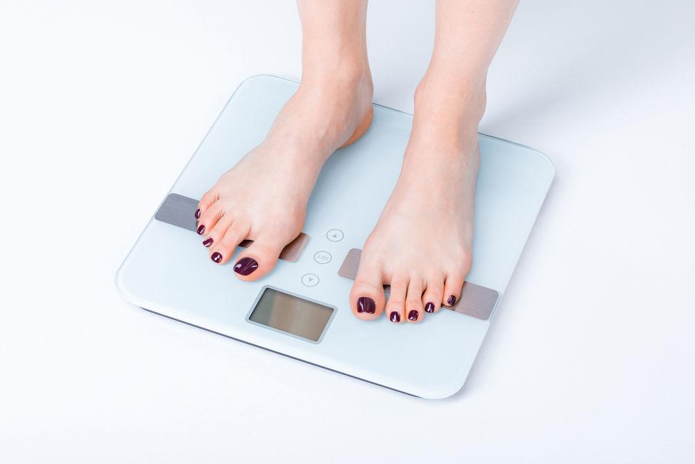 poziție în picioare pentru a pierde în greutate