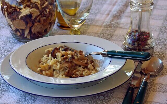 Rețeta Risotto cu pui și ciuperci la Multicooker Philips | Carne de pui | Rețete comentate