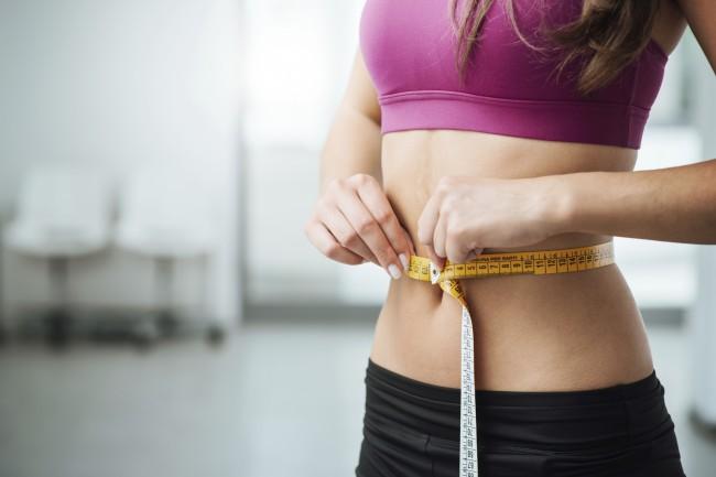 Pierderea intenționată în greutate și fumatul la adulții tineri